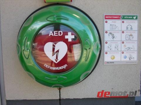 Znalezione obrazy dla zapytania defibrylator aed